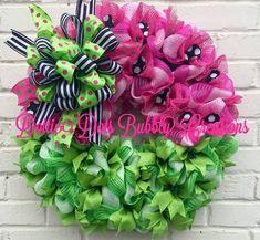 Watermelon Wreath, Summer Wreath, Round Watermelon Wreath, Watermelon Jute Mesh Wreath This is a Summer Watermelon Jute Mesh Wreath, accented with green canvas ribbon, black and white striped canvas ribbon, polka dot ribbons, and a jute mesh liners, arranged on a 20 pine wreath base.