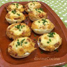 Estos huevos rellenos al horno se pueden preparar de mil maneras. Te dejamos nuestra receta y te damos varias ideas para que la personalices a tu gusto.