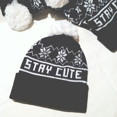 Snowflake+pom+beanie+in+black+and+white!+    STAY+CUTE!+<3+