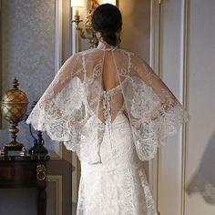 La espalda es la auténtica protagosnista de este diseño de @clairepettibone #design #weddimg #bride #dressbride