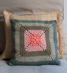 Modèle coussin au crochet vintage - Phildar Catalogue mode et déco n°73