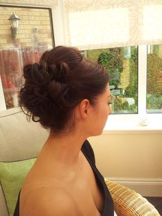 medium height looped updo