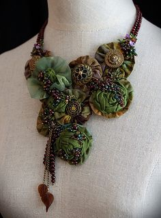 Textile necklace: stunning!  a real stand-alone piece.  Great job by the artist