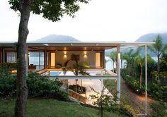 Residência CF - Angra dos Reis - RJ - Foto: Leonardo Finotti