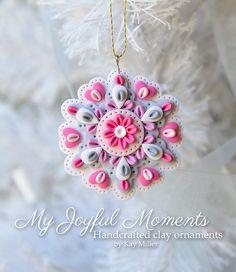 Handcrafted Polymer Clay Mini Floral Snowflake par MyJoyfulMoments