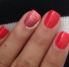 Red/orange nails with gradient accent. (By adelislebron on IG)