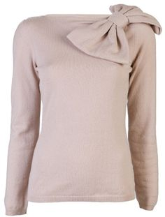 Valentino Bow Sweater, lovee but maybe in another color Preppy Style, Style Me, Pretty Outfits, Cute Outfits, Pink Sweater, Passion For Fashion, Casual Outfits, Casual Clothes, What To Wear