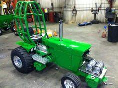 John Deere Garden Tractors, Yard Tractors, John Deere Lawn Mower, Lawn Mower Tractor, Small Tractors, John Deere Decor, Garden Tractor Pulling, Truck And Tractor Pull, Truck Pulls