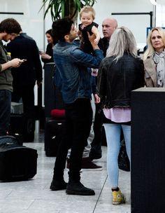 Zayn Malik Photo - One Direction Catching A Flight At Heathrow Airport