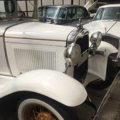 Ford Modelo T 1929 Te imaginas llegar a tu boda en un auto así ? Contacta a: Rolls Royce Mexico   renta@rollsroycemexico.com info@autosantiguos.com.mx renta@unjaguar.com.mx