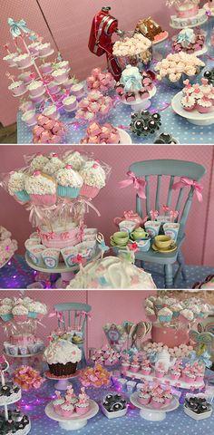 Eventos_Aniversário Cupcake03 // es bonito tener una variedad de postres en fiestas de pequeñitos...