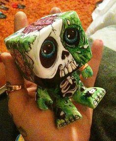 zombie toy (lilmrsfrankenstein on deviantART)