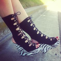 lace-up printed wedge boots #gojane