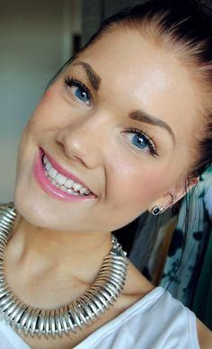 this is my favorite kind of makeup, pretty, simple, effortless. :)