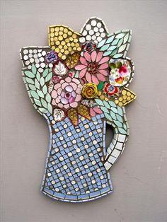 Small blue spot vase by Rah Rivers, Sculpture Mosaic Glass, Mosaic Tiles, Glass Art, Mosaic Crafts, Mosaic Projects, Home Deco, Mosaic Artwork, Mosaic Flowers, Mosaic Madness