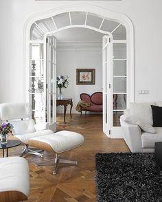 French doors #white #retro #architecture #frenchdoors #lounge #interiordesign #interiordecorating #interiormagic #contemporary #decor #design #designlovers #furniture #interiorstyle #home #interiors #homeideas #luxury #luxeliving #creative #instadesign #instahome #homedecor #glamour #elegant #italian #massimointeriors www.MASSIMOinteriors.com.au
