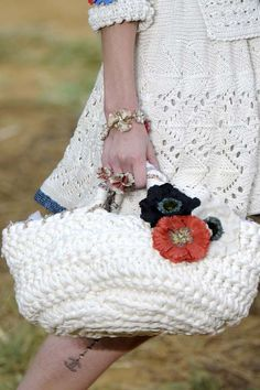 Ready_to_wear_sping_summer_2010__ CHANEL___Paris_october_2009_