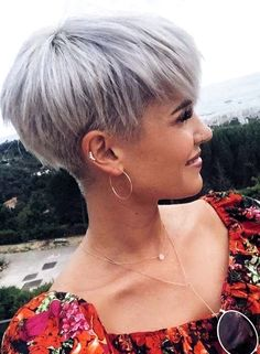 Cutest Short Blonde Pixie Haircut Styles for 2018 - frisuren frauen frisuren männer hair hair styles hair women Blonde Pixie Haircut, Pixie Haircut Styles, Haircut Styles For Women, Short Pixie Haircuts, Curly Hair Styles, Pixie Styles, Pixie Haircut For Thick Hair, Pixie Bob, Short Hair Pixie Edgy