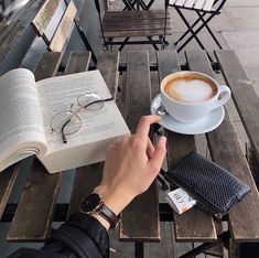 coffee and books Get a coffee during the weekend while I write/draw in a cafe Book Aesthetic, Aesthetic Photo, Aesthetic Pictures, Coffee Cafe, Coffee Shop, Coffee Lovers, Flatlay Instagram, Momento Cafe, Photo Portrait