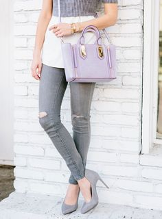I want to be part of .@SydneSummer's Chic 16 & #win the .@HenriBendel handbag #giveaway #sschic16