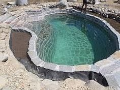 Pool aus Natursteinen www.at - Pool Ideas Swimming Pools Backyard, Backyard Landscaping, Piscine Diy, Natural Swimming Ponds, Jacuzzi Outdoor, Concrete Pool, Plunge Pool, Dream Pools, Pool Houses