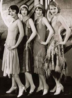 Chorus Girls on the set of Becky, Costume design by Clement Andre-Ani-The and flapper girls Flapper Girls, Flapper Style, Flapper Dresses, Flapper Fashion, Evening Dresses, Flapper Hair, 1920s Fashion Women, Long Dresses, Flapper Outfit
