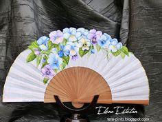 @todo color: PENSANDO EN TI Yukata Kimono, One Stroke Painting, Comic Drawing, Vintage Fashion, Vintage Style, Fantasy, Drawings, Hand Fans, Drawing Ideas