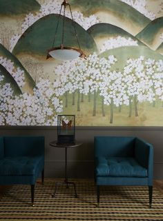 De Gournay wallpaper + Virginia White chairs #interiordesign #inpirationalinteriors