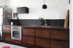 Snedkerkøkkener: få et køkken som ingen andre har Kitchen Cupboards, Kitchen Dining, Cabinets, Double Vanity, Home Kitchens, Home And Garden, House, Scrap, Architecture