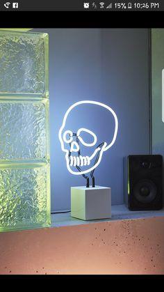 Skull table light