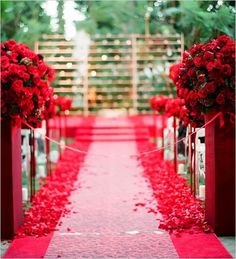 Kentucky Derby Wedding Inspiration: Roses are Red - Southern Weddings Wedding Ceremony Ideas, Wedding Aisle Decorations, Wedding Events, Ceremony Backdrop, Wedding Aisles, Wedding Receptions, Red Wedding, Wedding Colors, Wedding Flowers