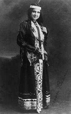 Moon Beam, Native American Potawatomi girl. 1907.