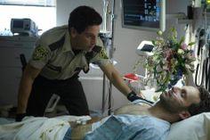 Shane intenta recojer a Rick del hospital cuando todo comienza