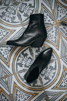 Evie Black Leather HENRY KOLE