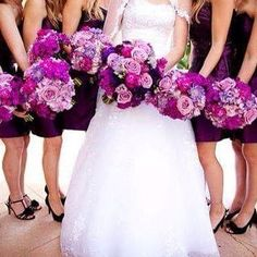 This bouquet in shades of purple looks great! Wedding Wishes, Wedding Pics, Wedding Themes, Our Wedding, Dream Wedding, Wedding Stuff, French Wedding, Wedding Decorations, Purple Wedding Bouquets