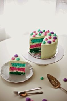 Jewel-Toned Cake with Meringue Kisses by Coco Cake Land - recipe and how-to