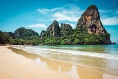 Railay beach Ao Nang Thailand review Railay Beach Krabi, Global Holidays, Ao Nang, Beaches In The World, Island Resort, Phuket, Luxury Travel, Beautiful Beaches, Kayaking