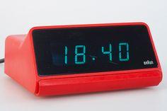Braun DN 40 digital alarm clock (red) (Dieter Rams / Dietrich Lubs 1976)