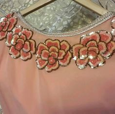 Zardozi Embroidery, Embroidery On Kurtis, Hand Embroidery Dress, Kurti Embroidery Design, Tambour Embroidery, Bead Embroidery Patterns, Embroidery Works, Embroidery Fashion, Hand Embroidery Designs