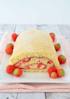 strawberry pastry cream cakeroll - biscuitrol met banketbakkersroom - Laura's Bakery