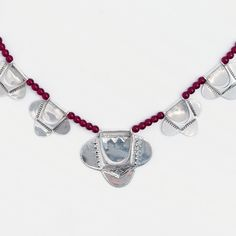 Colier tuareg Oued, argint și granată, Niger #metaphora #silverjewelry #tuaregjewelry #necklace #silvernecklace #garnet Pandora Charms, Charmed, Bracelets, Jewellery, Jewels, Schmuck, Bracelet, Jewelry Shop, Arm Bracelets