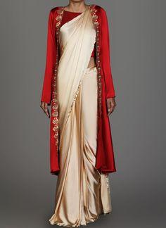 45 Latest Plain saree with Designer Blouse Ideas Saree Jacket Designs, Saree Blouse Patterns, Saree Draping Styles, Saree Styles, Drape Sarees, Hijab Styles, Silk Sarees, Trendy Sarees, Stylish Sarees