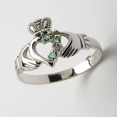 saw this at the Irish Festival this year. I want it so bad. claddagh ring