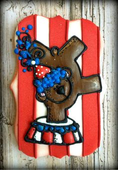 circus bear with striped background cookie