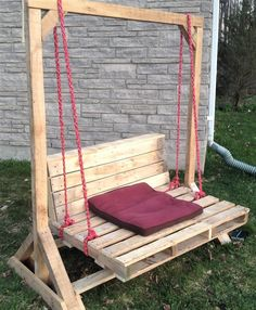 recycled pallets garden swing