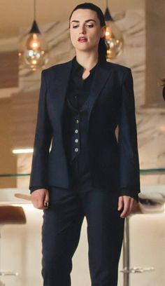Katie Mcgrath, Classy Outfits, Vintage Outfits, Melissa Benoit, Supergirl Dc, Lena Luthor, Work Wardrobe, Girl Crushes, Queen