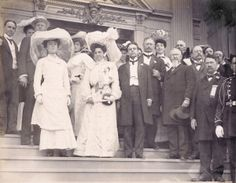 Alice Roosevelt and friends at the 1904 World's Fair.