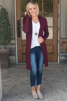 **Daily Deal** Phoebe Boyfriend Long Cardigan Source by cardigan outfit fall Burgandy Cardigan, Winter Cardigan Outfit, Cardigan Outfits, Cardigan Fashion, Long Cardigan, Fall Outfits, Cute Outfits, Glamour Farms, Long Sweaters