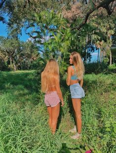 Matching Summer outfits with your best friends. Share with your besties! Cute Friend Pictures, Best Friend Pictures, Cute Pictures, Friend Pics, Bff Pics, Cute Friends, Best Friends, Tumblr Bff, Summer Goals