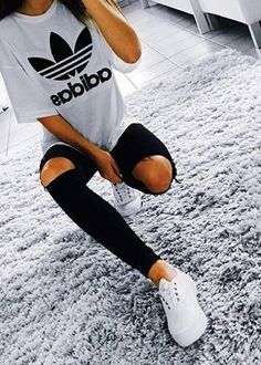 Cute Sporty Outfits Try This Fall - Outfits Styler - Drew Howerton - Outfits Cute Sporty Outfits, Best Casual Outfits, Sporty Girls, Sport Outfits, Fall Outfits, Fashion Mode, Sport Fashion, Girl Fashion, Womens Fashion